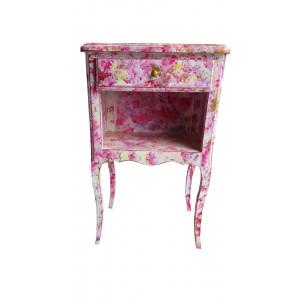 Table de chevet rose