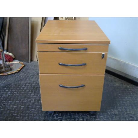 Rangement de bureau en bois avec clefs