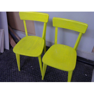 Lot 2 chaises vertes