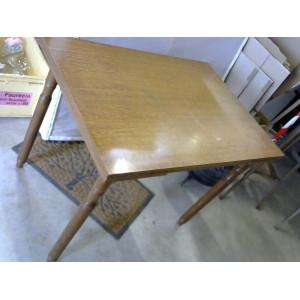 Petite table avec rallonge