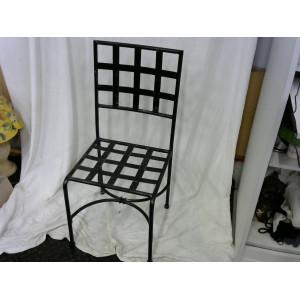 Lot de 5 chaises noires en fer