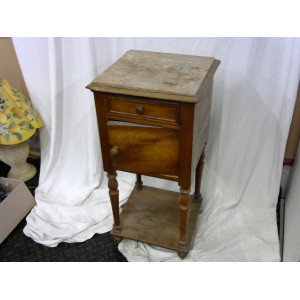 Table de chevet couvercle marbre